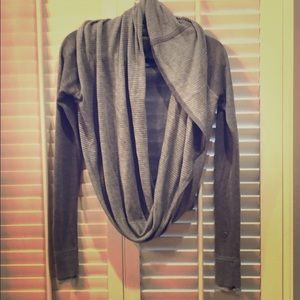Lululemon grey/white lightweight cotton sweater